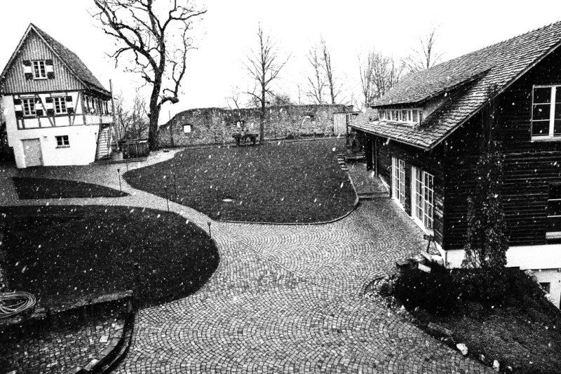 Michael Schmidt: Hofgut Maisenburg bei Hayingen - Schnee im März